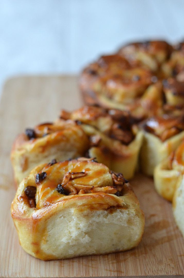 Toffee Apple Cinnamon Bun Rings