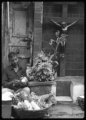Jesus Loves The Bhaiyyas Of Bandra Bazar by firoze shakir photographerno1
