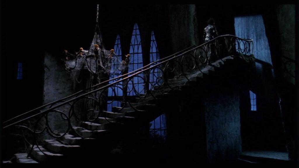 Resultado de imagem para Edward Scissorhands 1990 mansion