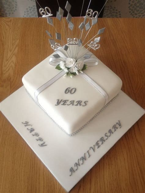 25  best ideas about Anniversary cake designs on Pinterest