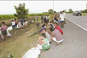 Labregos pedindo axuda. De Jorge Castillo para Prensa Libre