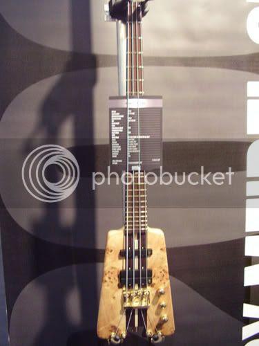 Warwick headless bass
