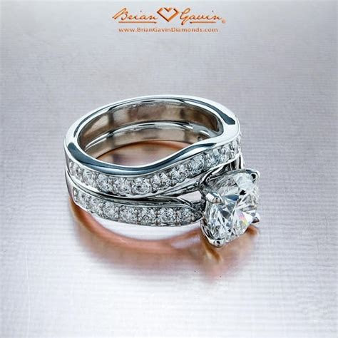 5 ways to match your wedding band and engagement ring