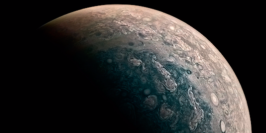 NASA's $1 billion Jupiter probe just sent back breathtaking new images of the gas giant