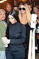 kim kardashian khloe kardashian pizza 02
