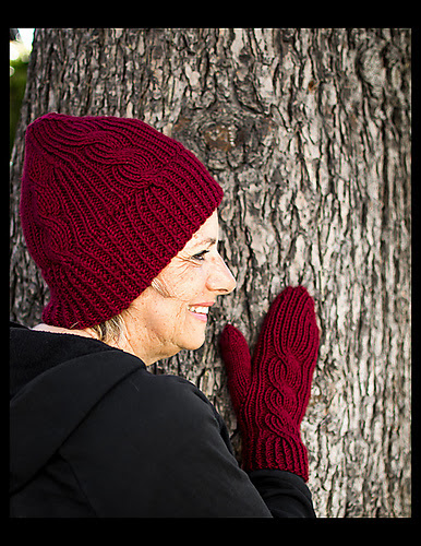 Thornhill Hat and Mittens