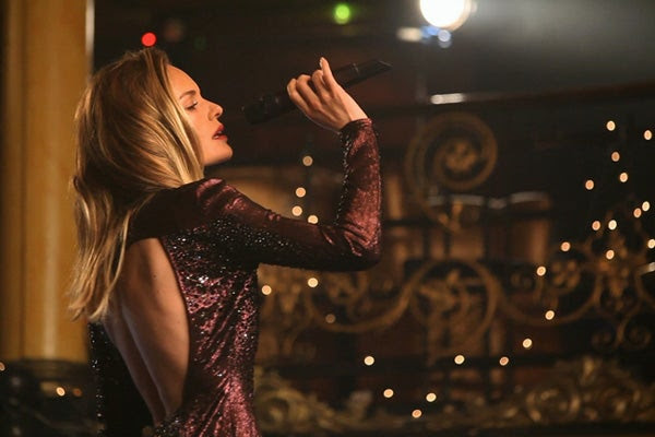 Kate Bosworth singing Topshop