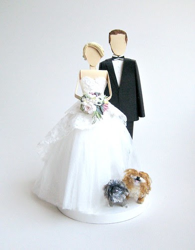 paper-couple-wedding-cake-topper-with dogs