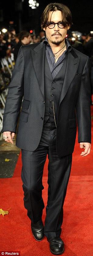 http://i.dailymail.co.uk/i/pix/2011/11/03/article-2057275-0EA8058600000578-877_306x840.jpg