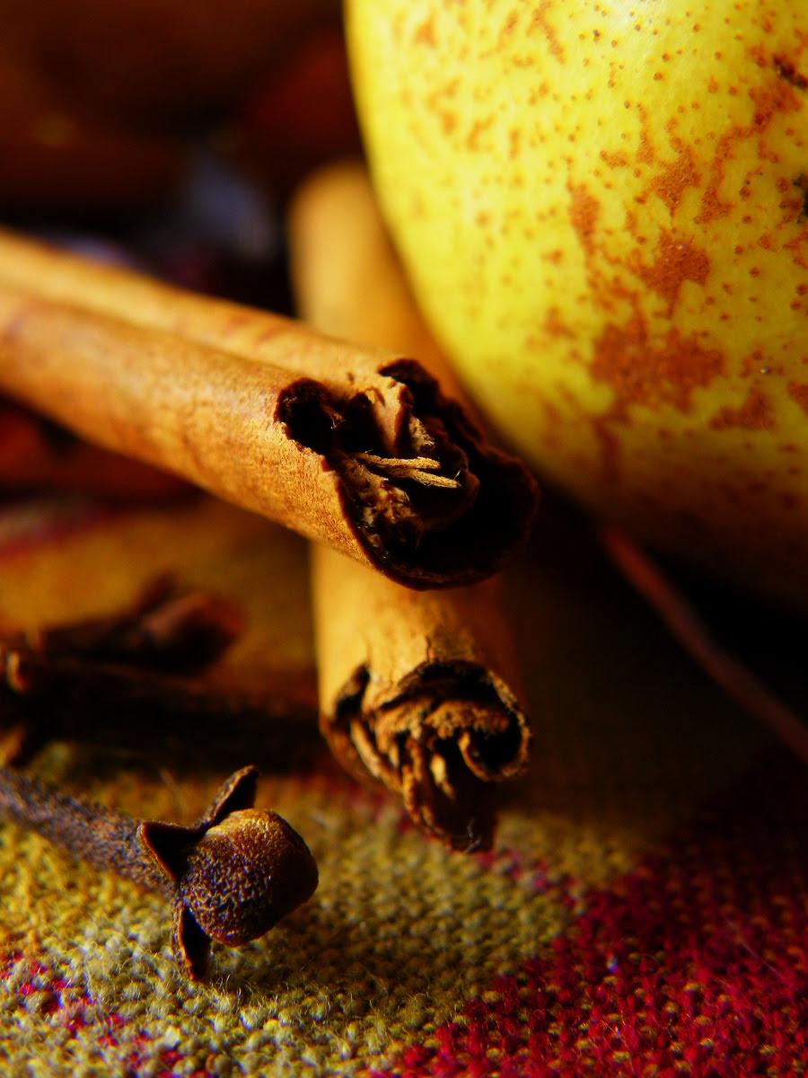 Cloves, Cinnamon and Pear
