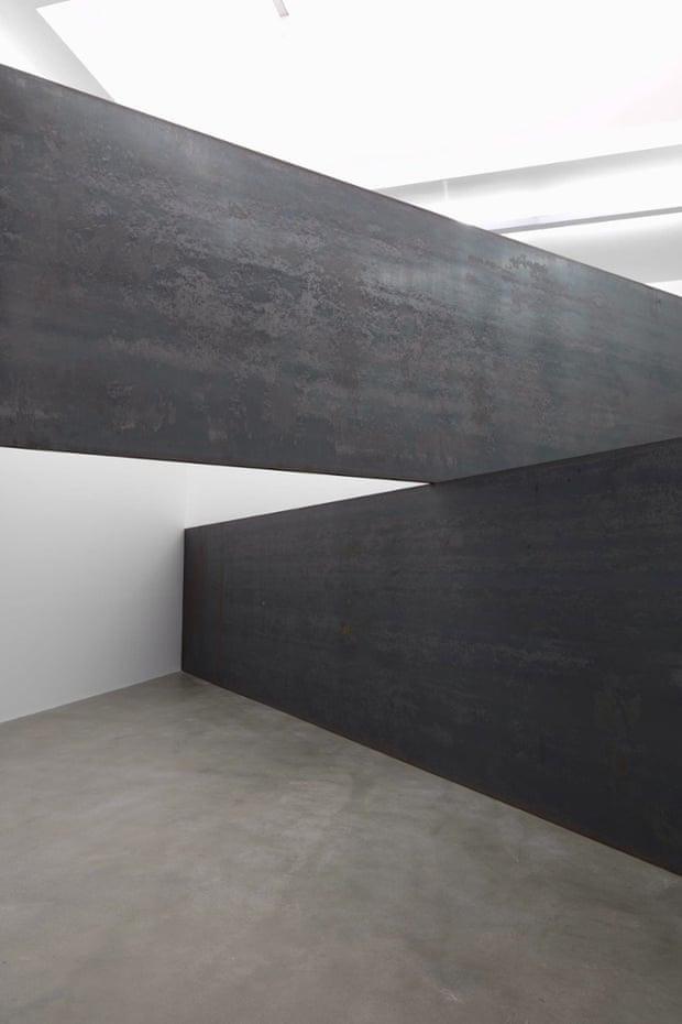 Richard Serra London Cross
