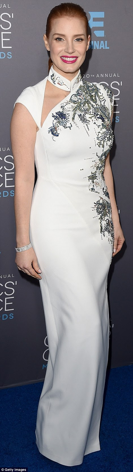 http://i.dailymail.co.uk/i/pix/2015/01/16/24BD3CC500000578-2912447-Special_night_Jessica_Chastain_picked_up_the_first_ever_MVP_Awar-a-333_1421382111983.jpg