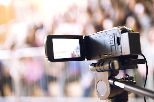 Teaching Performance Feedback With Video: 21st-Century Tools and Tips