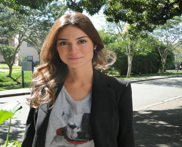 Thaila Ayala momentos antes de entrar no programa (Foto: Encontro com Fátima Bernardes/TV Globo)