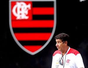 Joel Santana no treino do Flamengo (Foto: Alexandre Cassiano / Ag. O Globo)