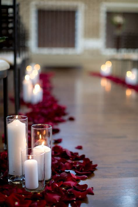 Rose petal aisle runner Photo by Amy Lashelle Photography