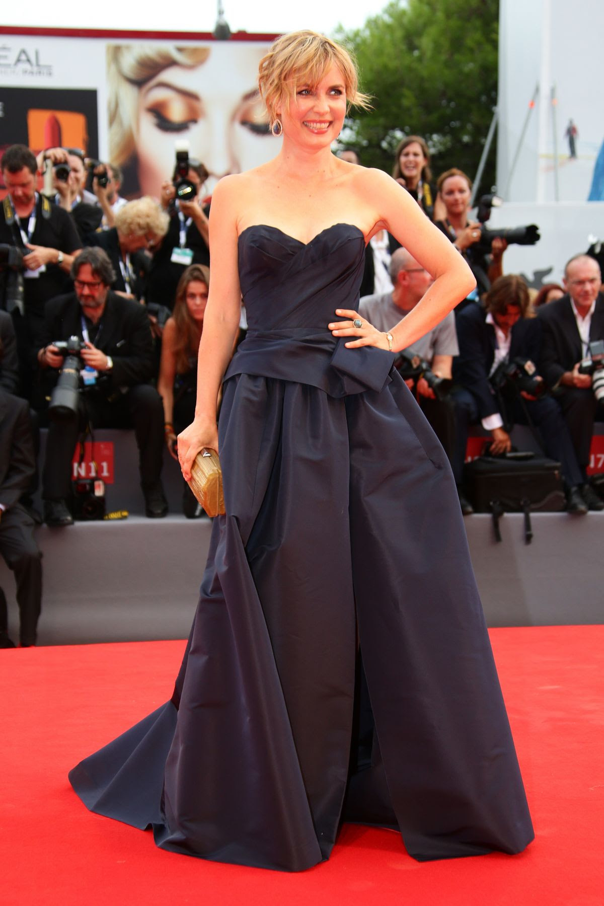http://www.hawtcelebs.com/wp-content/uploads/2015/09/radha-mitchell-at-everest-premiere-and-72nd-venice-film-festival-opening-ceremony_2.jpg