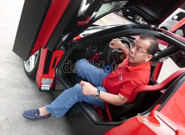 Komunitas Ferrari Sambangi Markas Garuda