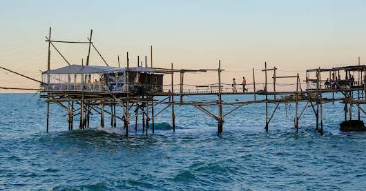 Where to Feast on Italy's Freshest Seafood? These Historic Piers - WSJ