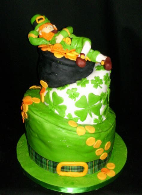 Fancy Leprechaun cakes picture.PNG Hi Res 720p HD