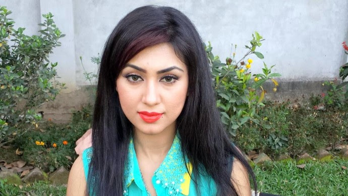 Apu Biswas New Picture