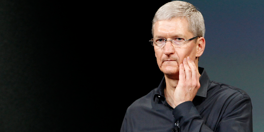 One of the top Apple followers is worried that it could turn into BlackBerry