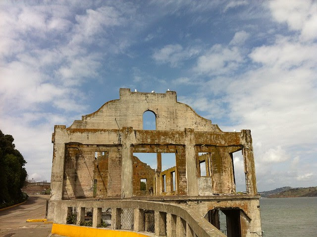 Alcatraz - Officers club (ruins)
