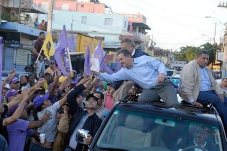 Leonel Fernández recorrerá barrios de la Capital y San Pedro el fin de semana