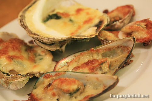 Plate - Baked Mussels with Cheese