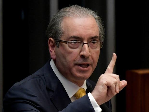 Eduardo Cunha se defende de processo de cassação na Câmara (Foto: Evaristo Sa/AFP)