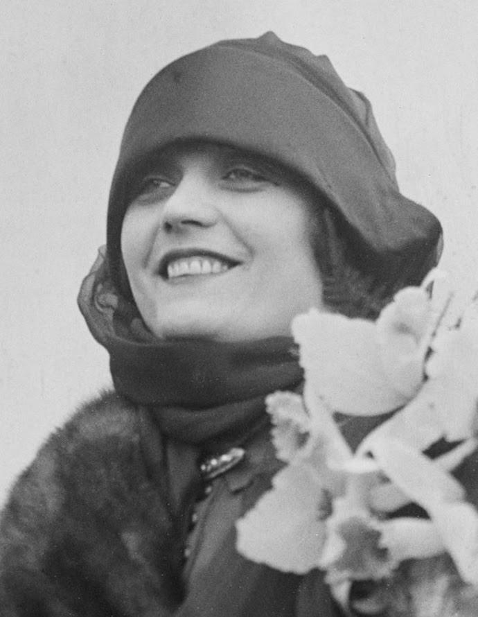 silent film star Pola Negri