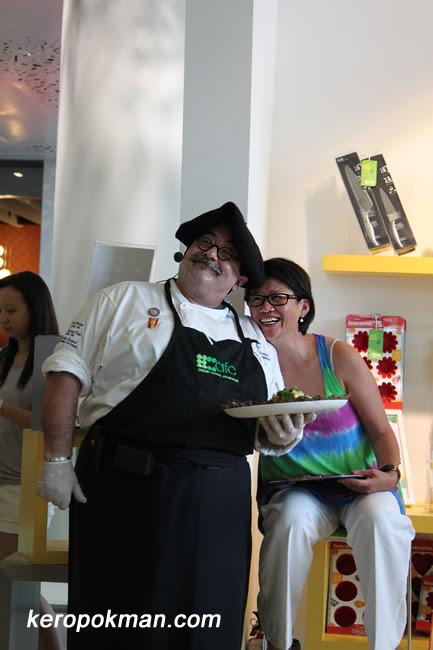 Chef Joseba Jimenez de Jimenez & participant