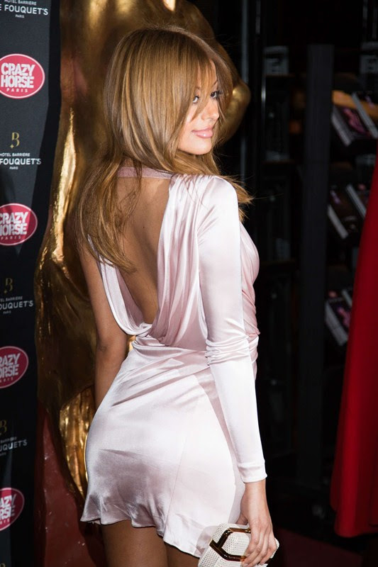 Zahia-Dehar-Without-Underwear-Paris-Kanoni-4