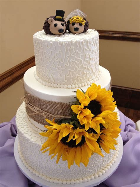 Sunflower country cake with hedgehog toppers   Blondie's
