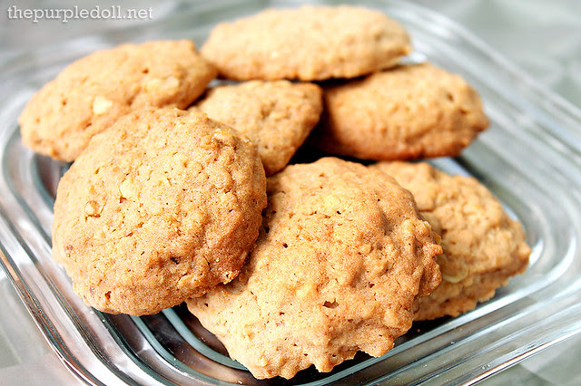Walnut Oatmeal Cookies P135