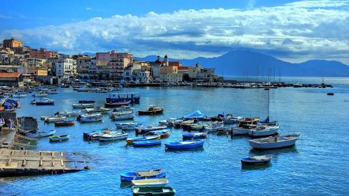 Napoli : Cosa fare gratis a Napoli nel Weekend dal 6 al 8 marzo ... - İtalya'nın güneyinde, campania bölgesi'nin başkenti olan napoli aynı zamanda i̇talya'nın nüfus bakımından üçüncü büyük kentidir.