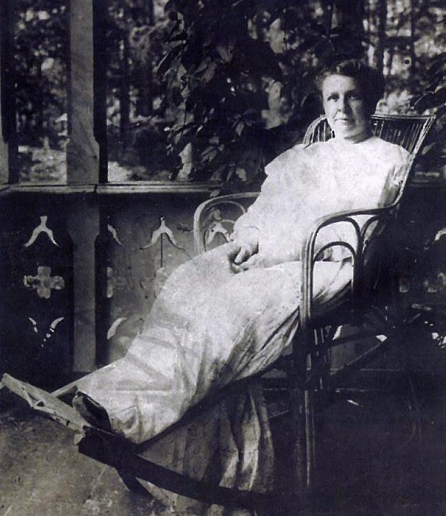Мать Михаила Булгакова - Варвара Михайловна, урожденная Покровская матери, такие разные