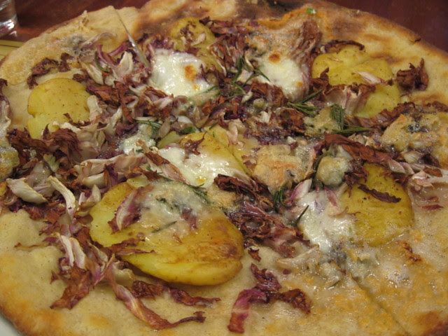 Pizza w. Gorgonzola dolce, fingerling potatoes, radicchio & rosemary