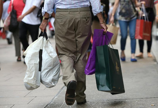 UK retail sales surge in August, likely to boost BoE rate hike bets