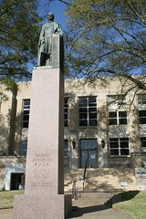 thomas jefferson rusk statue on rusk county courthouse grounds