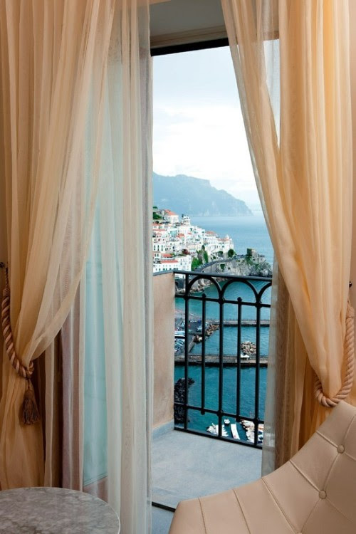 (via Luxurious / Grand Hotel Convento di Amalfi, Italy)