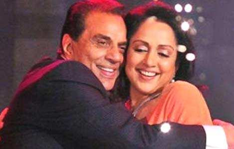 Hema Malini talks about Dharmendra - Video | The Times of India
