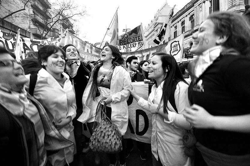Marcha por la Educación, ayer, en la Universidad de la República. Foto: Federico Gutiérrez