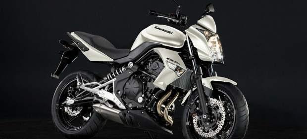 Motos: La pequeña naked urbana de Kawasaki para todos los pilotos