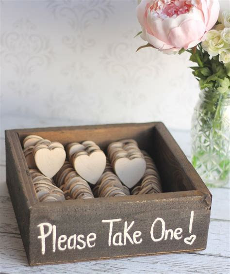 Having Trouble Choosing Wedding Favors? 5 Helpful Tips