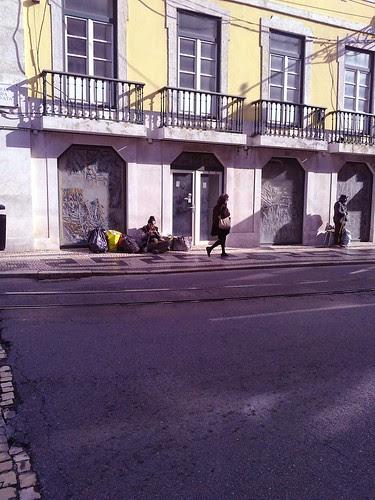 walking #2 by Grão Difuso