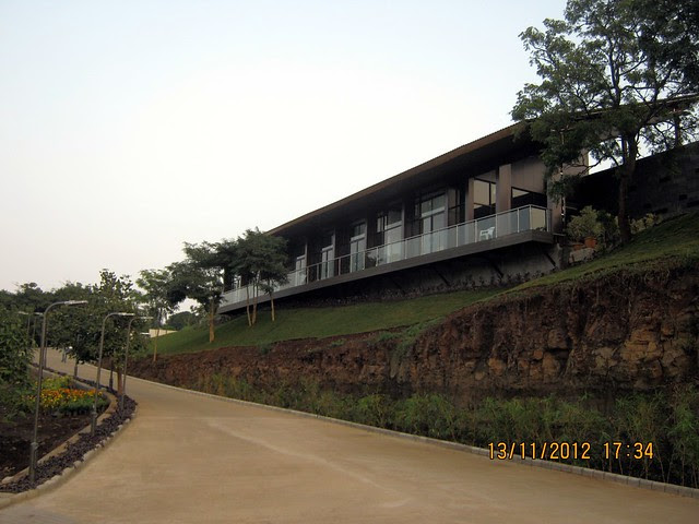Site Office - Visit SKYi Songbirds at Bhugaon, on Paud Road, Pune 411042