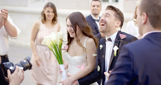 The do's and don'ts of inviting co-workers to your wedding - Workopolis