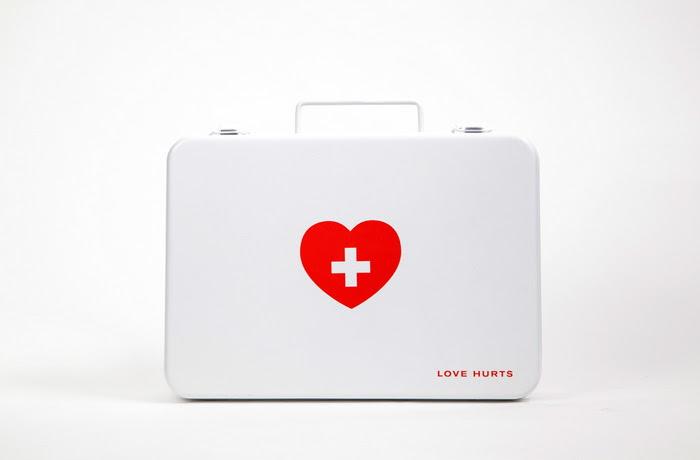 Love Hurts corazones rotos