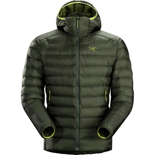 5 Best Lightweight & Packable Down Jackets for Travel 2017